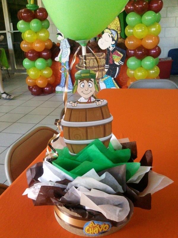 Centro de mesa infantil con nidito y dulces car interior - Decoraciones de mesas ...
